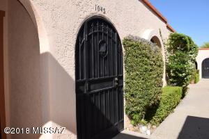 1045 S Calle De Las Casitas, Green Valley, AZ 85614