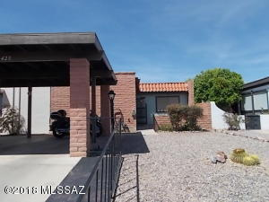 423 N Calle De Lumbre, Green Valley, AZ 85614
