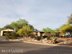 5247 N Whispering Hills Lane, Tucson, AZ 85704