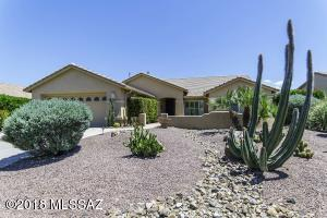 1018 N Cowboy Canyon Drive, Green Valley, AZ 85614