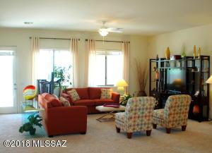 8257 N Willow View Drive, Tucson, AZ 85741