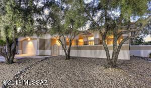 WELCOME TO 1893 E. SOMNOLENT WAY! TOP QUALITY ABOUNDS IN THIS BEAUTIFULLY REMODELED SUN CITY HOME.