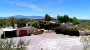 8451 E Cloud Road, Tucson, AZ 85750