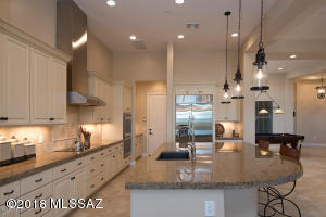 Large Kitchen, Huge Granite Island, Tons of Storage