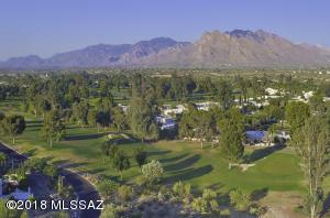 Exquisite mountain & golf course views