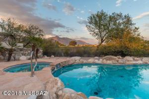 6760 N Calle Lomita, Tucson, AZ 85704