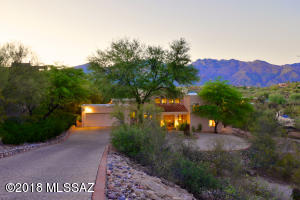 5660 E Camino del Celador, Tucson, AZ 85750