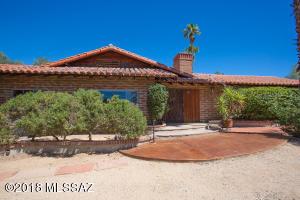 6890 N Casas Adobes Drive, Tucson, AZ 85704