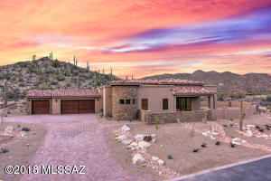 Pisa 1 sited on 1.03 acre lot in with Catalina mountain & City light views.