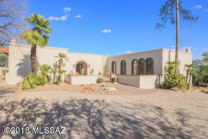 6902 N Longfellow Lane, Tucson, AZ 85718