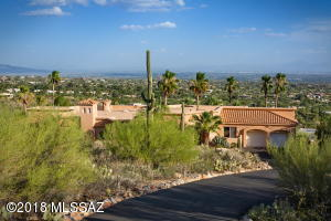 Sitting at the end of a cul de sac in a gated community at the top of Swan !!! - above Skyline Country Club.