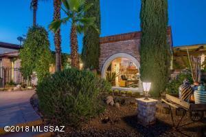 4645 N Hacienda del Sol Road, Tucson, AZ 85718