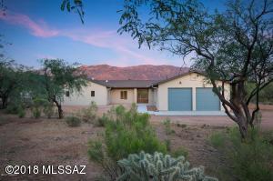 15425 N Twin Lakes Drive, Tucson, AZ 85739