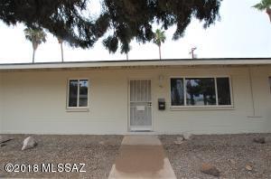454 N Silverbell Road, Tucson, AZ 85745