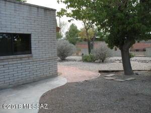946 S La Huerta, Green Valley, AZ 85614