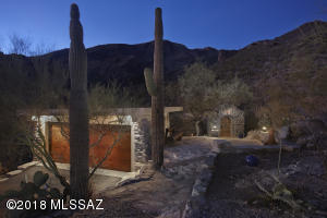 6701 N Thimble Pass, Tucson, AZ 85750