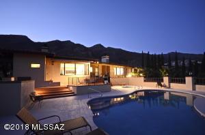 6907 N Gleneagles Drive, Tucson, AZ 85718