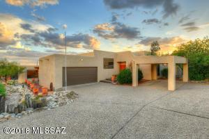 6843 N Green Mountain Place, Tucson, AZ 85718