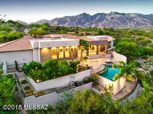 Stunning home in Eleven Arches!