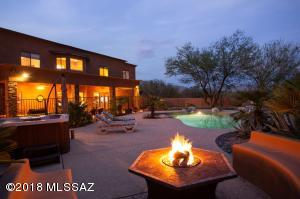 Private Oasis like backyard, entertainers dream.