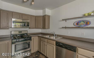 Stainless steel appliances & a gas stove!