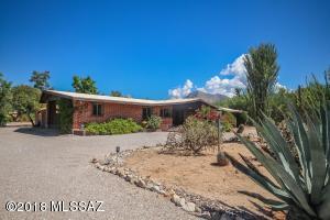 1300 W Maximilian Way, Tucson, AZ 85704