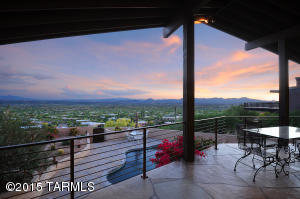 VIEWS!VIEWS!VIEWS! THIS PROPERTY DELIVERS VEIWS IN EVERY DIRECTION. HIGH UP CITY AND SUNSET VIEWS FROM THE BACK YARD AND UP-CLOSE CATALINA MOUNTAIN AND FINGER VIEWS FROM THE FRONT.