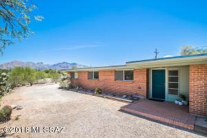 5502 N El Sirio Drive, Tucson, AZ 85704