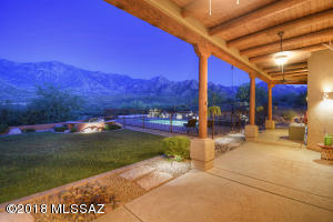 13930 N Sutherland Trail, Tucson, AZ 85739