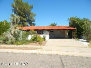 109 E El Limon, Green Valley, AZ 85614