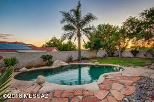 1397 W Valley Ridge Place, Oro Valley, AZ 85737