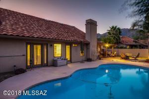 6042 N Calle Matamoros, Tucson, AZ 85750