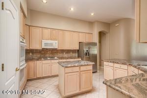 13887 N Eddington Place, Oro Valley, AZ 85755