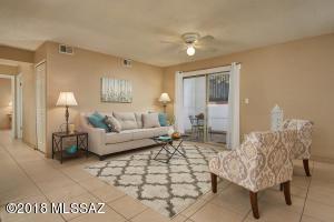 471 W Yucca Court, 315, Tucson, AZ 85704