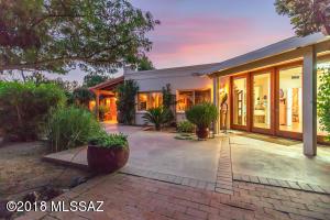 2615 W Casas Drive, Tucson, AZ 85742