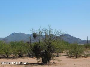 13502 W Manville Road, Tucson, AZ 85743