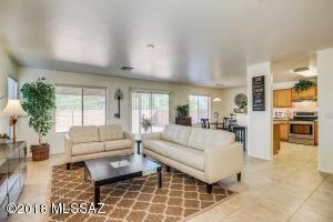 3999 E Agate Knoll Drive, Tucson, AZ 85756
