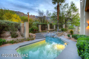 Nestled into the foothills of the Catalina Mountains with majestic views.