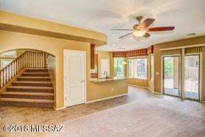 693 W Tremolo Lane, Oro Valley, AZ 85737