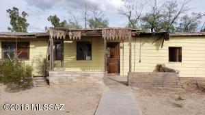 11460 N Cleveland Place N, Tucson, AZ 85742