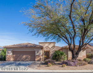 1865 E Wintergreen Drive, Green Valley, AZ 85614