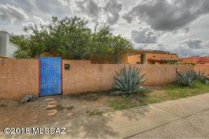 2726 E 6Th Street, Tucson, AZ 85716