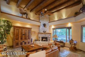 1410 N Smokey Springs Road, Tucson, AZ 85749
