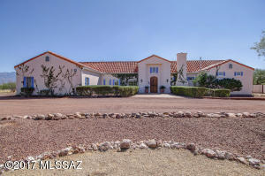 3411 W Calle Tres, Green Valley, AZ 85622