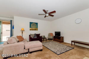 10422 S Painted Mare Drive, Vail, AZ 85641