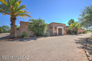 1871 S La Cañada Drive, Green Valley, AZ 85622