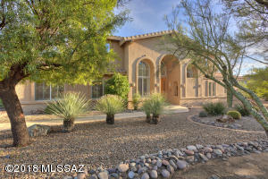 Glorious home! 3 Bedrm, 6 Baths, den, great rm, loft, laundry rm, 3 car garage, nearly 2 acres, pool, spa and covered patios.