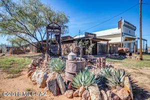 905 Ghost Town Trail, Pearce, AZ 85625