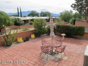 360 N Calle Del Brujo, Green Valley, AZ 85614