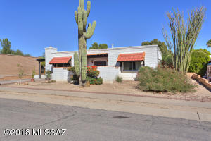 991 S La Bellota, Green Valley, AZ 85614